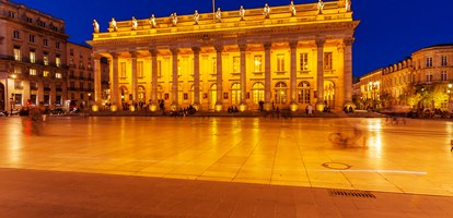 Night view of Grand Theater Bordeaux (1780, designed by Victor Louis), home to the National Opera Bordeaux, Aquitaine, France